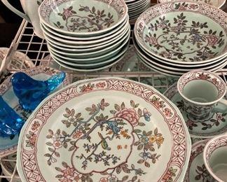 "Miscellaneous pieces of  ""Singapore Bird""  English china"