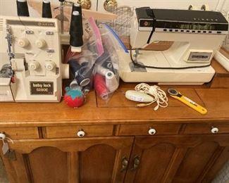 Serger & sewing machine