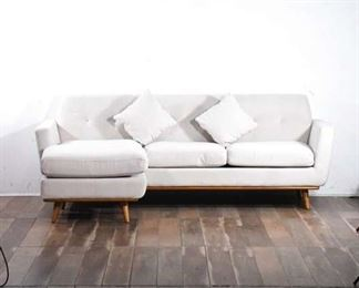 Sophisticated Cream Sectional Sofa With Chaise, 2 Matching Throw Pillows