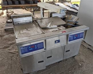 Pitco Frialator 2 Bay Fryer With Dump Station