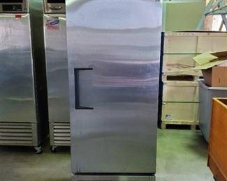 True Freezer T-23F