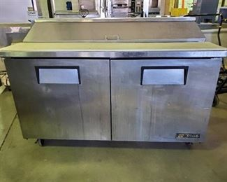 True Refrigerated Prep Table On Casters TSSU-60-16