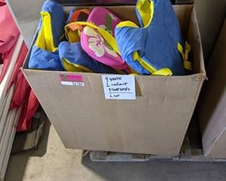 Lot of 9 Youth and 1 Infant Lifevests New