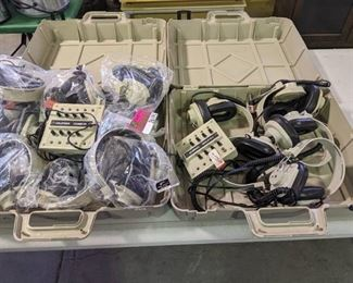 Lot of 2 cases with 16 Headphones and 2 Jackboxes