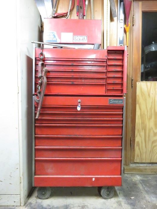 Snap-on tools chest/cart (tools and key included)