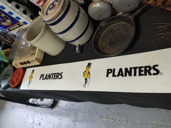 Planter's Peanut Sign