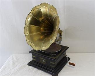 1901 HMV Gramophone