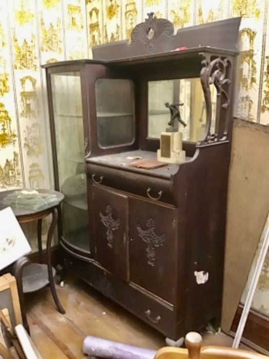 Beautiful Antique China Cabinet