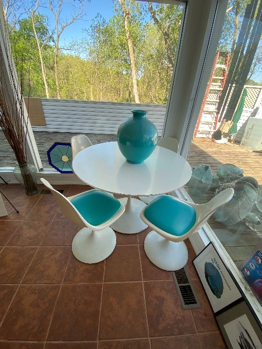 Mid-Century Modern Tulip Table & Chairs