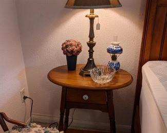 Hardrock maple lamp table
