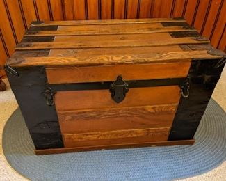 Another old flat top trunk