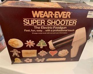 Vinatge Wear-Ever Super Shooter Foodgun