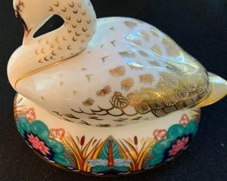 Royal Crown Derby White Swan with Silver Stopper