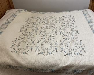 HOME MADE COVERLET