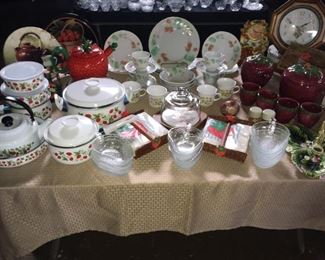 Strawberry: China Set - Service 4, Cake Stand with Cover, Clear Candy Dish & Napkin Holders