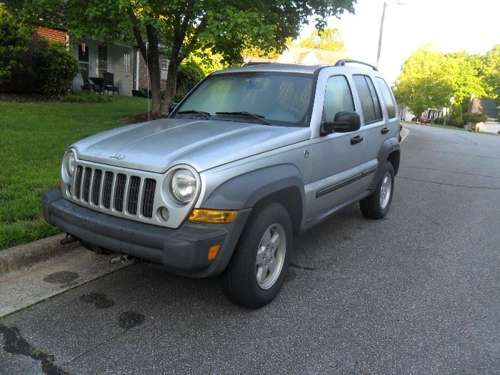 2006 Jeep Liberty with 130,000 miles. Do to the gas shortage Jeep will not be at warehouse till Saturday. Thank you.