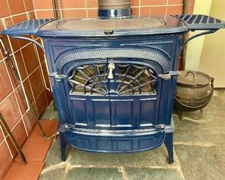 """$1,195 - Intrepid D enamel wood burning stove by Vermont Castings. 24""""H x 32.5""""W x 23""""D"""