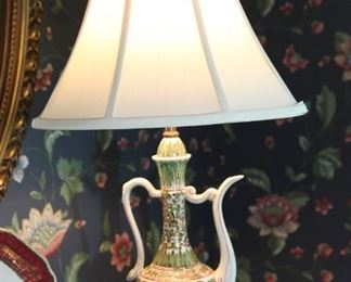 VINTAGE TEAPOT LAMP
