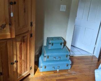 wonderful set of luggage