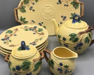 004 Tiffany Majolica Blackberries Tea Set