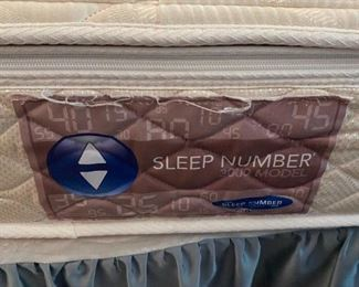 #4King size mattress set sleep number with 1 controller $175.00