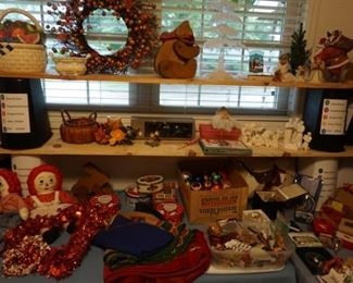 Christmas decor, Raggedy Ann and Andy dolls