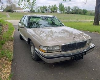 1994 Buick Park Avenue ~ 129,512 miles ~ Runs & Drives ~ 2 sets of keys and fobs *VERY CLEAN and WELL CARED FOR*