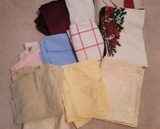 Assorted Sizes~ Vintage Table Cloths