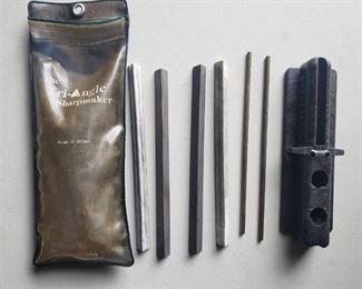 Spyderco The Triangle Sharpmaker 203-MF Medium Fine knife sharpener