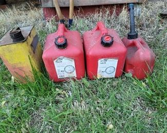 4 Fuel Cans