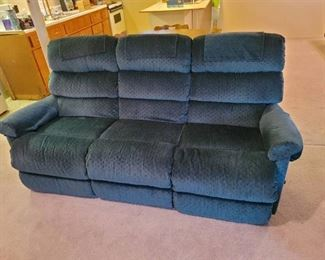 LA~Z~Boy 2 Recliner Sofa. Matches Recliner in lot 645. Located in walkout basement.