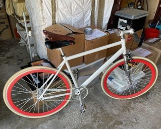 Very nice, lightweight Sole bicycle with extra seat