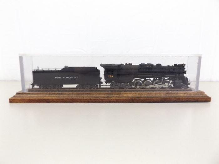Rivarossi HO 2-8-4 Powered Engine and Coal Car in Custom Case