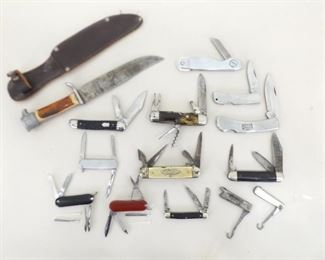 Lot of Vintage Fixed Blade and Pocket Knives