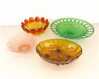 Lot of 4 Large Depression/Colored Glass Serving/Center Piece Bowls