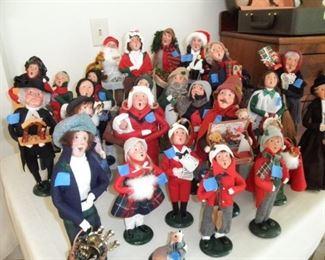 BYERS CHRISTMAS CAROLERS  27 PIECE SET