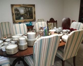LOVELY CHERRY DINING TABLE 8 CHAIRS AND ONE LEAF