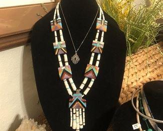 Santo Domingo Pueblo vintage 1970's necklace.