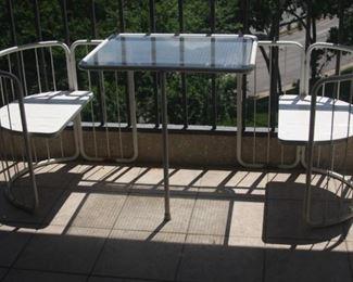 patio table and chairs set - $125