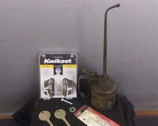Misc. Garage Items (Vintage Oiler)