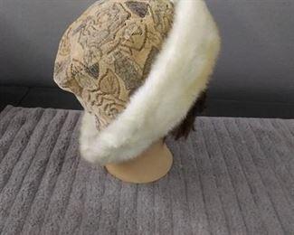 3 Hats/ Sholders Wrap & Scarf