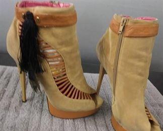 Size 8.5 Women's Tan Heels