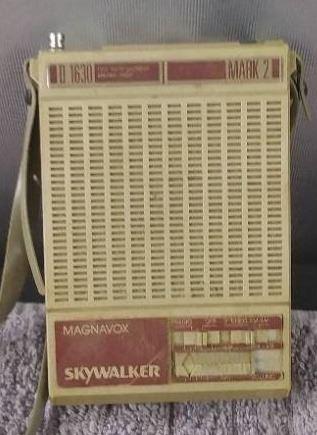 Vintage Magnavox Mark 2 Skywalker Portable Band Radio And Yellow Braided Cord