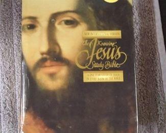Books - 3 Hardback Spiritual Books with Gloripus Appearing & The Knowing Jesus Study Bible