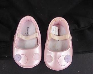 Baby Headbands ,Booties , Hats 1Pair Of Pink Shoes