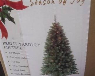 Pre Lit Yardley Fir Tree 6.5' Height