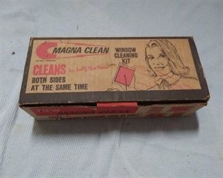 Vintage Magna Clean Window Cleaning Set in Original Box Never Been Used