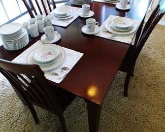 Dining Table w/ Leaf and 4 Chairs
