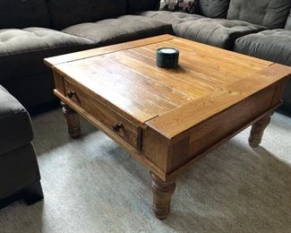 coffee / cocktail table