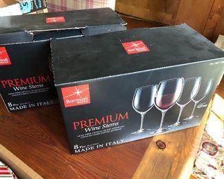 wine glasses in box